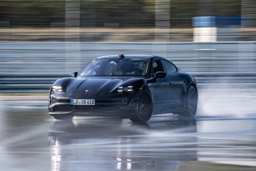 2020 Porsche Taycan Drift Rekord | Fanaticar Magazin