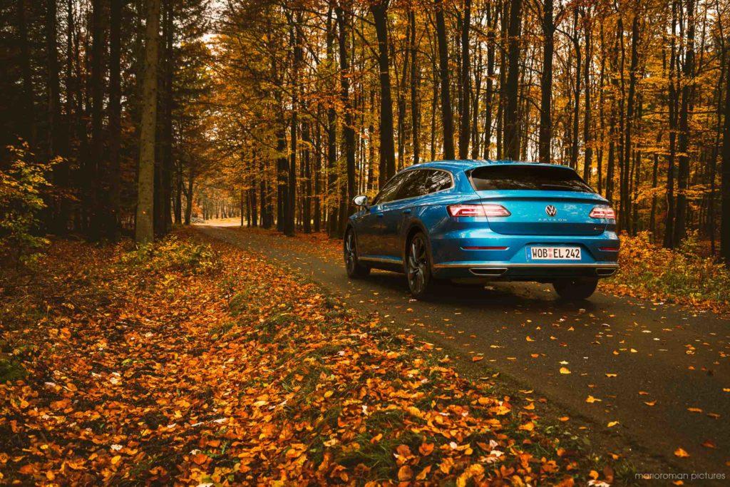 2021 Volkswagen Arteon Shooting Brake (Eisvogelblau, 280 PS, 4motion) | Fanaticar Magazin / MarioRoman Pictures