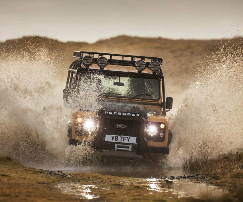 2021 Land Rover Defender Works V8 Trophy | Fanaticar Magazin