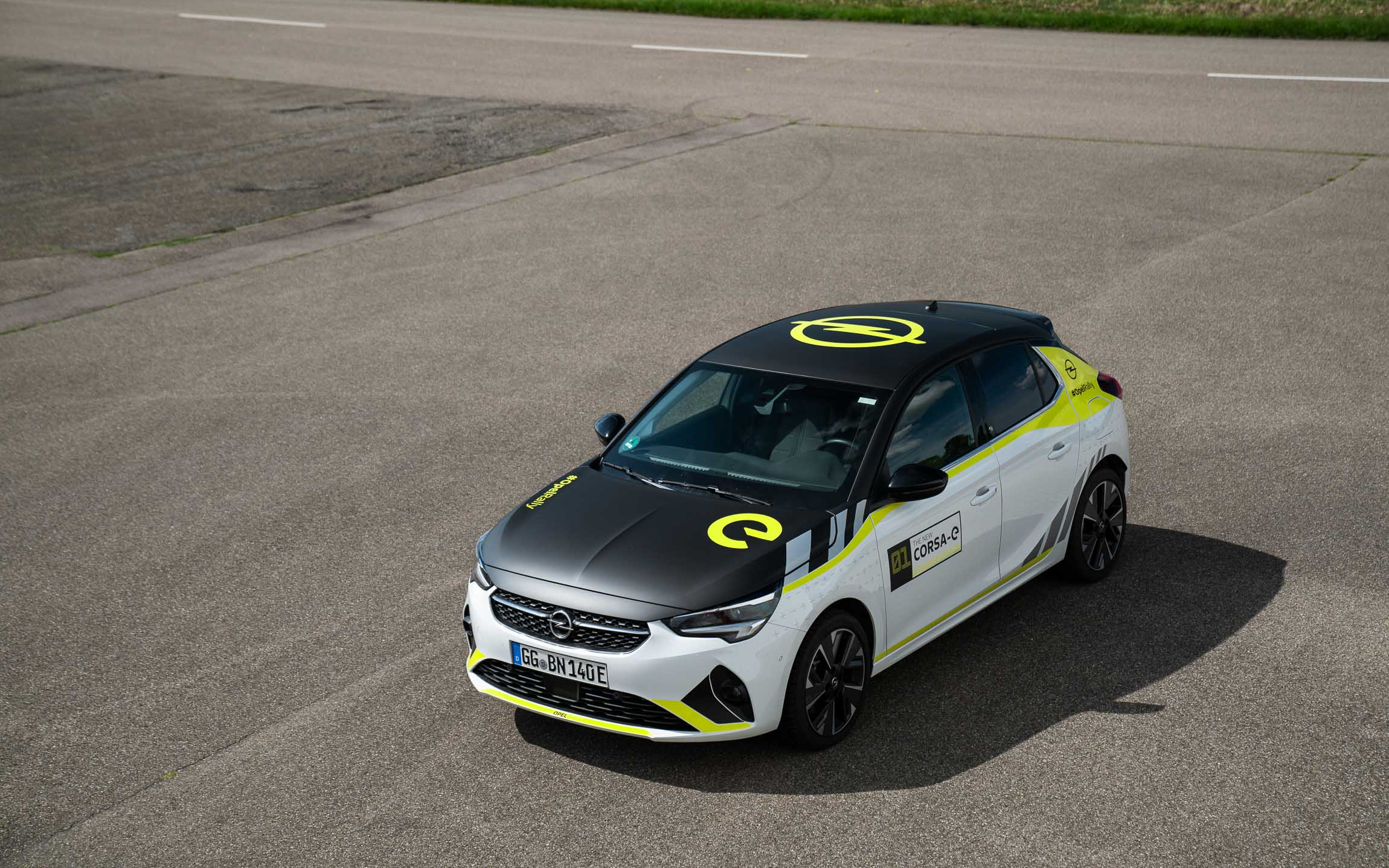 "2021 Opel Corsa-e- Rallyekit ""Signal Design"" | Fanaticar Magazin"
