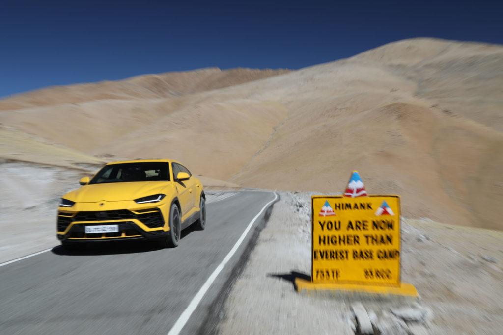 2021 Lamborghini Urus - Umling La Pass | Fanaticar Magazin
